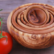 Set of 6 round bowls Olive wood Bowls from Tunisia Ø 5 à 15 cm unsian olive wood salad , fruit bowls: Handmade Tunsian olive wood Bowls great to serve salad, fruits with different diameter (8cm,10cm, 12cm,14 cm,16cm,...). OliveWood bowls are true pieces of art. They are made by cutting, hollowing, turning, and sanding the ancient wood. Each bowl is hand carved from a single piece of olive wood, giving it a smooth, seamless finish. Our large bowls are our most exquisite pieces as they are carved from hard to find large olive wood branches. Their deep, profound form displays a unique grain structure.