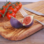 Rectangular Handcrafted Olive Wood Cheese/Bread Cutting Board Longeur: 25 - 30 - 35 - 40 -45 -50 cm A truly unique olive wood Cheese/Bread cutting Board which are all handcrafted by our artisans in Tunisia. This beautiful olive wood piece of art is made from a solid piece of durable and dense tunisian older trees that no longer produce fruits. The olive wood Cheese , Bread chopping Board are never made using bleach, dyes or chemicals. Present your fine homemade bread, and cheese, your French baguette or your favorite biscuits.. at your next dinner party!!